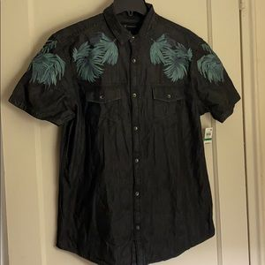 NWT INC embroidered short sleeve button down